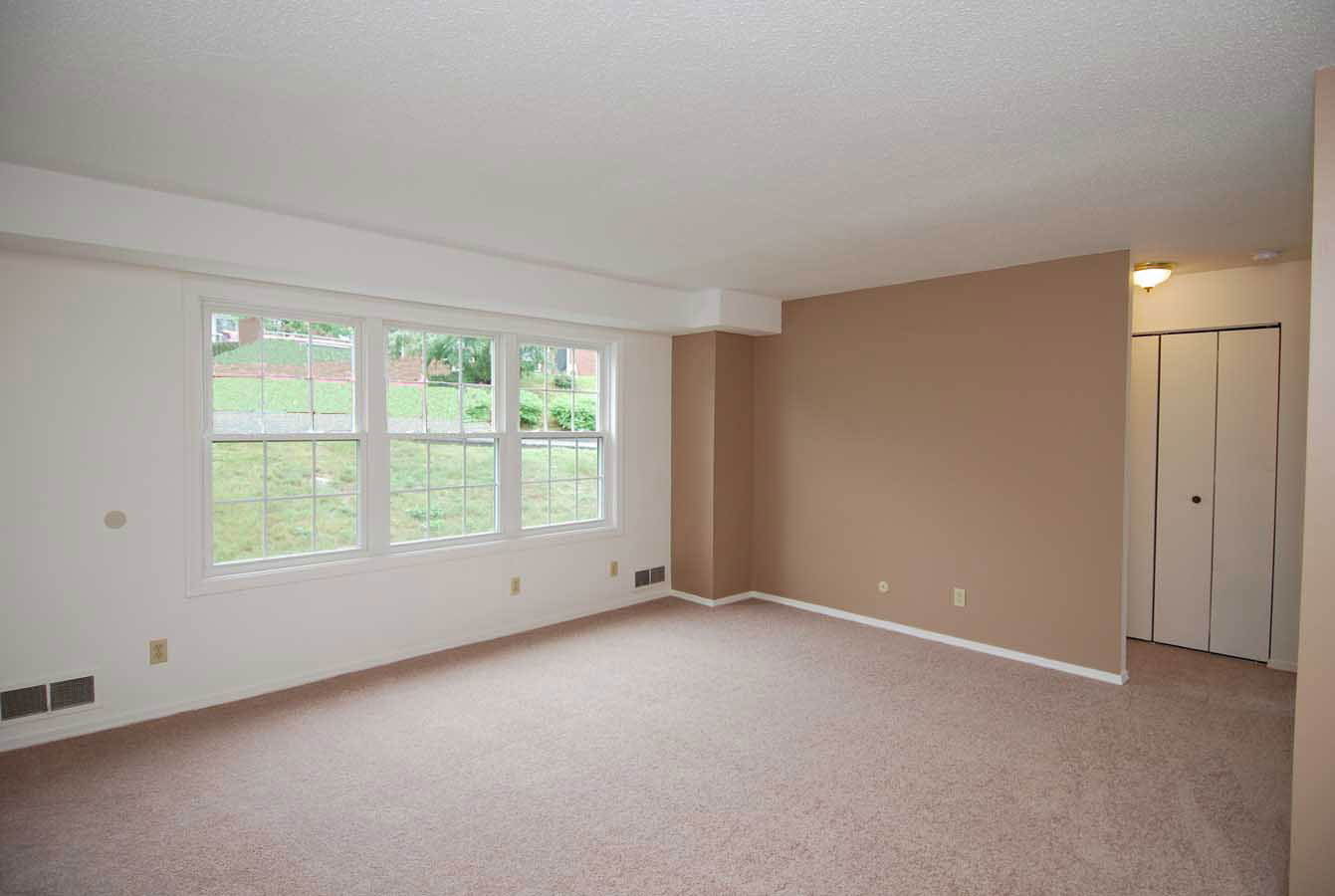 1 Bedroom Apartment in Manchester NH at Wellington Terrace ...
